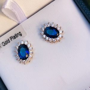 14k white gold blue sapphire studs